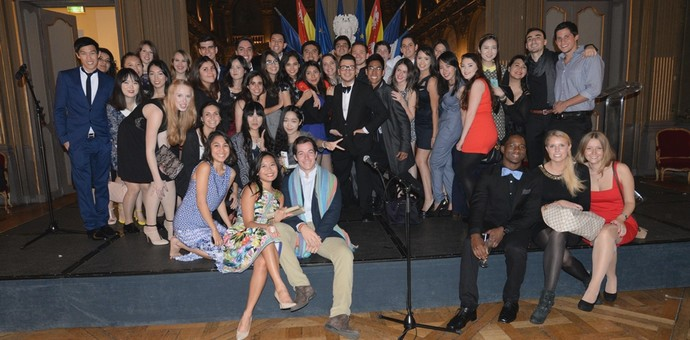 THE INTERNATIONAL STUDENTS OF ICN BUSINESS SCHOOL MEET THEIR GODFATHER / GODMOTHER